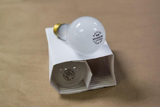 krabička na žárovky