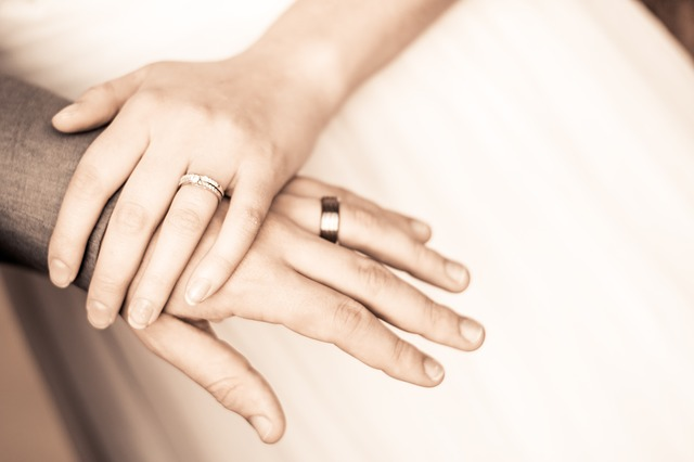 prsteny na rukou
