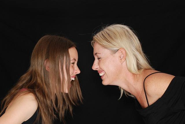 smích matky a dcery